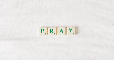 3 Easy Catholic Family Prayers